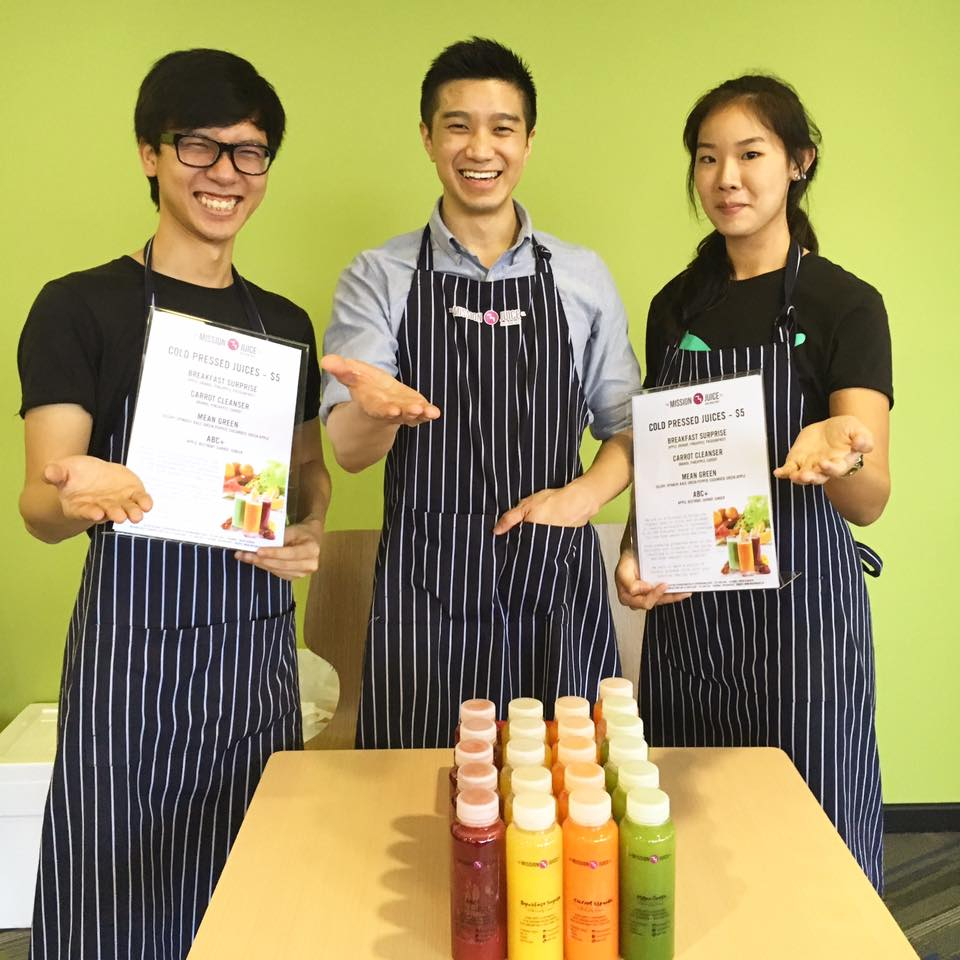 candybar merchant stories mission juice - joel lee mission juice greeting customers with a smile entrepreneur stories
